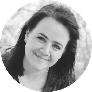 Susanna Barlow, Columnist